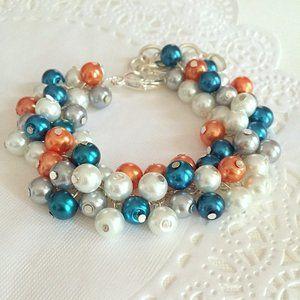 Jewelry - Glass Pearl Cluster bracelet, clasp, adjustable